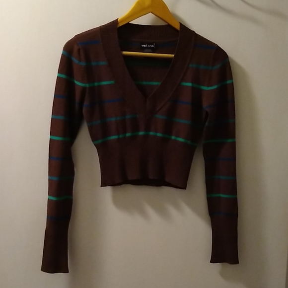 Green and blue striped brown crop sweater